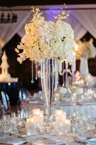 white-orchids-and-roses-on-clear-glass-vase-with-cascading-crystal-strands