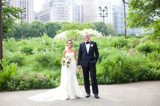 bride-in-vera-wang-gown-groom-in-j-crew-chicago-park