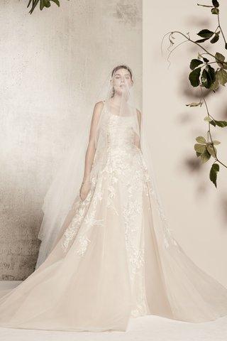 elie-saab-spring-summer-2018-gown-scoop-neckline-thin-straps-cinched-waist-tulle-overskirt-floral
