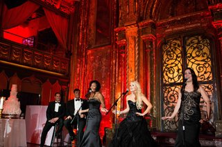 guests-with-musical-backgrounds-and-broadway-experience-perform-at-wedding-reception