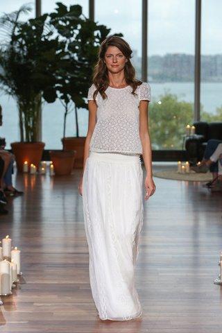 laure-de-sagazan-fall-2018-short-sleeve-lace-top-low-waisted-detailed-skirt