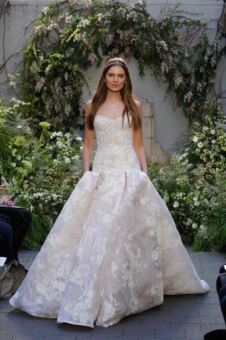 monique-lhuillier-spring-2017-freesia-wedding-dress-drop-waist-pleated-skirt-with-flower-print