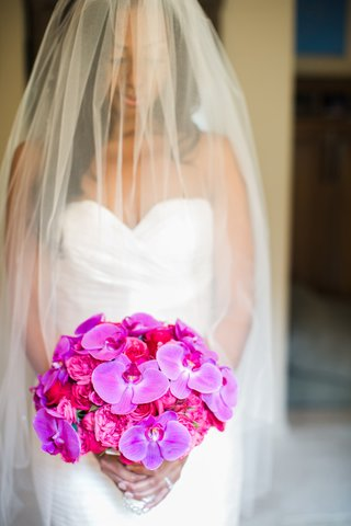 bridal-bouquet-of-purple-orchids