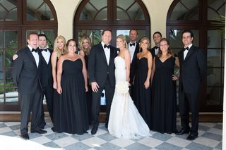 bride-and-groom-with-bridesmaids-and-groomsmen-in-black