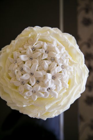 rose-petal-glamelia-bridal-bouquet-with-stephanotis-flowers