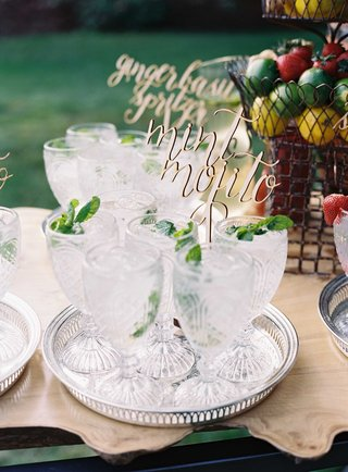 antique-cut-crystal-glassware-on-silver-tray-with-mint-mojito-non-alcoholic-beverage-for-wedding