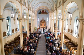 wedding-ceremony-in-catholic-church