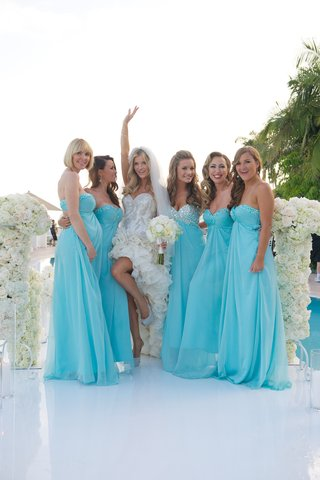 joanna-krupas-bridesmaids-in-blue-dresses