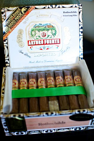 arturo-fuente-rothschild-cigars-offered-at-a-wedding