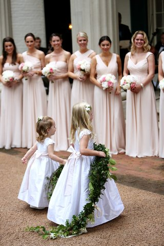 pink-bridesmaids-dresses-flower-girls-in-white-dresses