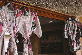 wedding-day-getting-ready-floral-robes-with-dream-catchers-native-american-bride