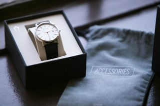 watch-for-groom-on-wedding-day-in-box-with-accessories-bag