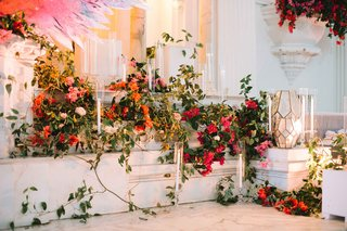 altar-concept-vines-bold-flowers-organized-chaos-wedding-ceremony-bright-colors