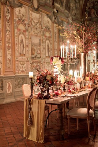 renaissance-inspired-tablescape-in-palace-in-florence-fabric-table-runner-with-tassel-from-candle