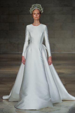 reem-acra-fall-2018-simply-pure-white-long-sleeve-ball-gown