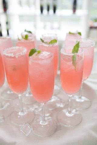 wedding-cocktail-in-stemware