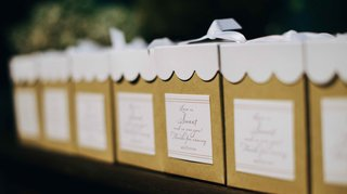 jars-of-jelly-in-small-favor-boxes-with-white-scallop-top-small-jars-of-jelly