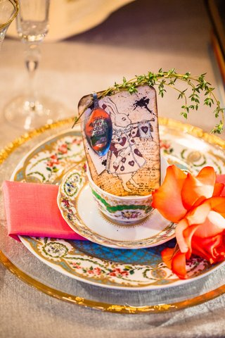 vintage-patterned-china-place-setting-alice-in-wonderland-white-rabbit-escort-card-flattened-spoon