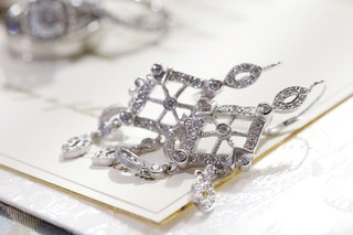 bridal-drop-earring-pair-with-crystals