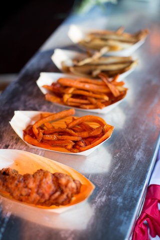 paper-bowls-of-sweet-potato-and-regular-french-fries