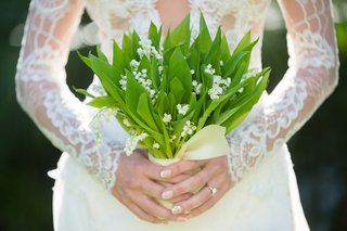 natural-foliage-bouquet-white-florals-unique-wedding-boho-chic-leaves-leafy-hotel-del-coronado