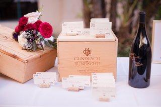 wedding-escort-cards-on-wine-corks