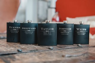 wedding-day-groomsmen-gifts-ideas-personalized-flasks