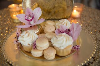 gilded-wedding-dessert-plate-vanilla-cupcakes-macarons-pink-orchids
