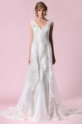 gemy-maalouf-2016-v-neck-wedding-dress-with-lace-overskirt-and-scalloped-neckline