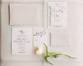 invitation-suite-in-trendy-neutral-shades