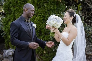 nfl-tennessee-titan-gets-first-look-at-his-bride-in-a-mark-zunino-dress