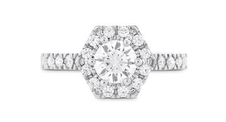 hearts-on-fire-hexagonal-halo-engagement-ring-with-diamond-band