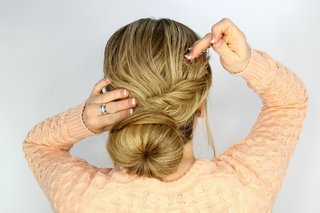 bride-with-bobby-pins-for-fishtail-wrap-hairstyle