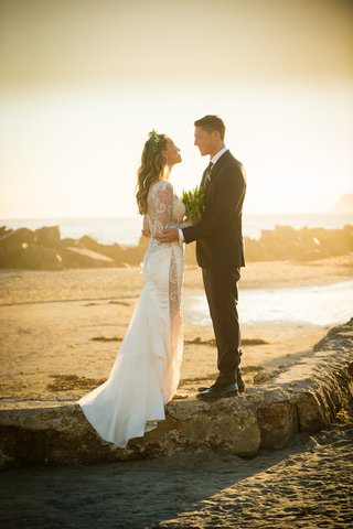 bride-groom-twilight-glow-beach-wedding-san-diego-hotel-del-coronado-beach-galia-lahav-love-romance