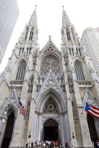 wedding-ceremony-location-saint-patricks-cathedral-new-york-city-church-wedding-venue-ideas
