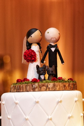 wooden-figurines-of-bride-and-groom-and-dogs-for-cake-topper