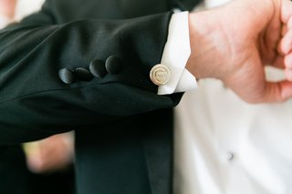 chicago-cubs-silver-cufflinks-on-groom-tuxedo