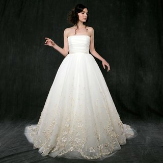 sareh-nouri-spring-2017-ivy-strapless-ball-gown-with-ruche-bodice-ribbon-lace-detail-at-skirt-hem