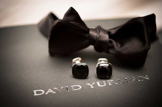wedding-accessories-for-groom-david-yurman-black-bow-tie-and-cufflinks