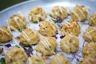 miniature-crab-cake-appetizers-hors-doeuvres-joes-mustard-coastal-food-cuisine-wedding