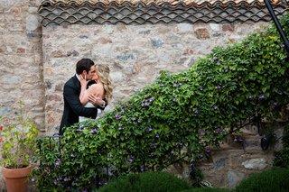 brock-osweiler-denver-broncos-nfl-quarterback-kisses-bride-at-wedding