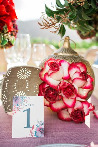 watercolor-invitations-pink-table-linens-gold-lanterns-red-and-white-flowers-vineyard-glasses