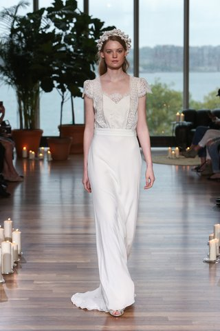 laure-de-sagazan-fall-2018-sheath-with-structured-lace-and-silk-bodice-with-cap-sleeves