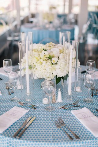 detriot-lions-quarterback-matthew-stafford-rehearsal-dinner-blue-spotted-linens-table-set-flowers