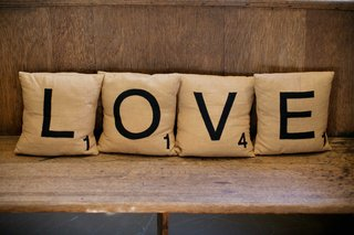 scrabble-tile-pillows-spelling-love-wedding-lounge-area