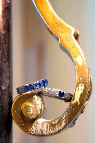 silver-hammered-metal-with-blue-stones