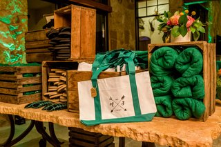 masters-themed-wedding-reception-after-party-favors-green-white-tote-bag-towel-flip-flops-sergio