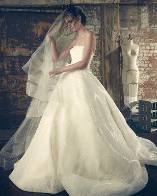 sareh-nouri-fall-2018-wedding-dress-elle-ball-gown-straight-across-strapless-neckline-organza-veil