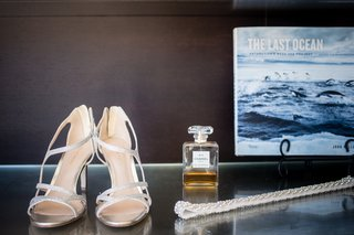 sparkly-silver-high-heel-wedding-shoes-and-rhinestoned-belt-accessories