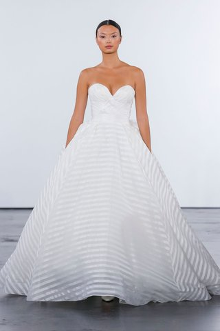 dennis-basso-for-kleinfeld-2018-collection-wedding-dress-strapless-sweetheart-neckline-ball-stripe